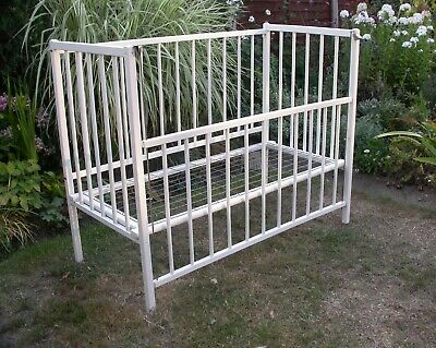 £2 • Buy Vintage White Wooden Drop Side Cot - Collection Only South East London Da17