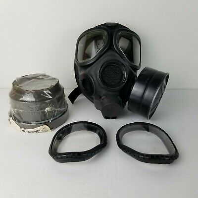 $150 • Buy US Military M40 Gas Mask Size Medium With Bag