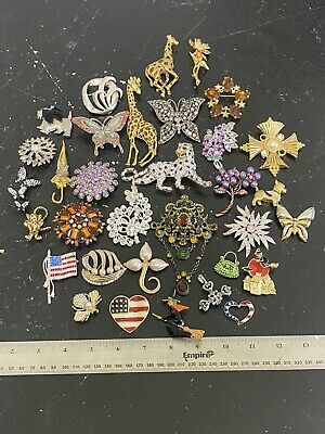 $ CDN25.52 • Buy Vintage Costume Jewelry Lot - Pins Brooches