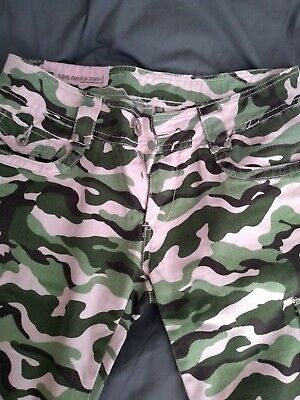 £4 • Buy Ladies Camo Cargo Pale Pink And Green Shorts