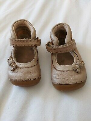 £5 • Buy Baby Girls Toddler Child's Clarks 4.5 F First Cruiser Shoes Cream Gold