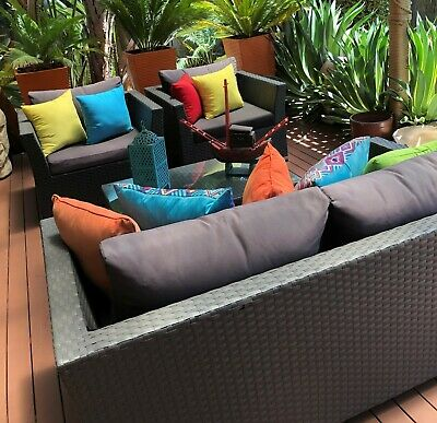AU86 • Buy Outdoor Furniture Setting Used