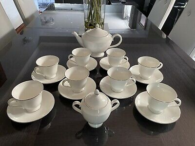 £150 • Buy Wedgewood Signet Platinum - Brand New Tea Set Complete - To Clear!