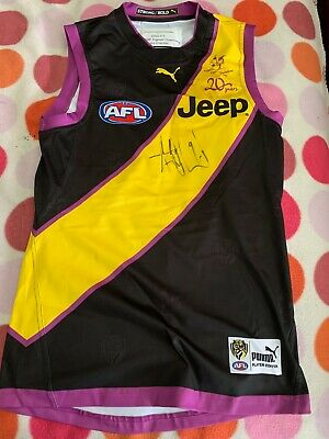 AU3995 • Buy 2017 Game Used Signed Richmond Tigers Trentch Cotchin Guernesey With COA