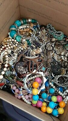 $ CDN40.28 • Buy 20+lbs Vintage To Now JUNK DRAWER Estate Find Jewelry Lot UNSEARCHED