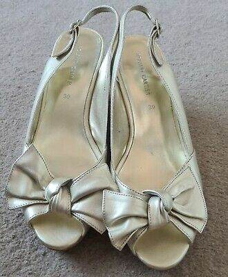 £2.99 • Buy Ladies Roland Cartier Gold Leather Bow Wedge Sandals Size 6