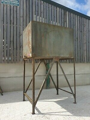 £500 • Buy 2000 Litre Diesel Tank With Stand