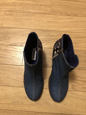 £25 • Buy Desigual Enbroided Ankle Boots Size 8 Women  Blue
