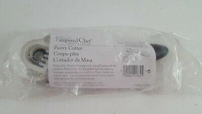 £6.94 • Buy Pampered Chef Pastry Cutter #1684 Slice Flute Crimp Self Store Blades Retired