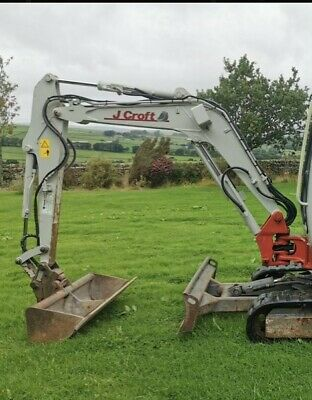£2500 • Buy Takeuchi 2014 TB228 3 Ton Digger(Boom&2 Buckets With Quik Hitch(digger Not Inc)