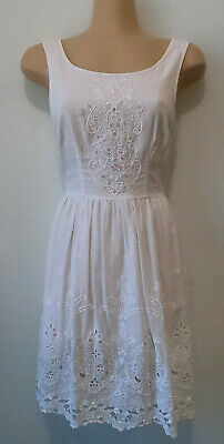 AU18 • Buy FOREVER NEW White Lace Sequine Detailed A-line Sleeveless Dress. Size 6