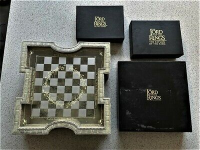 £500 • Buy 2002 Lord Of The Rings Collectors Display Chess Set Noble Collection