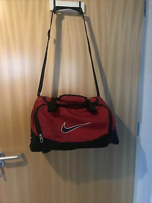 £2.50 • Buy Red Nike Holdall
