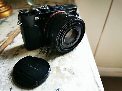 View Details Sony Rx1 Full Frame Digital Camera, Plus EVF Boxed  • 550£