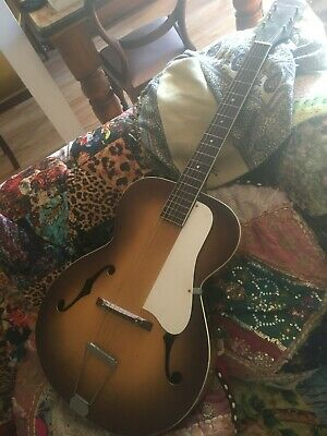 AU800 • Buy Archtop Guitar. Silvertone Late 50s-60s Made In The USA. Google It And Find Out!