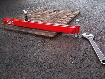 Mustang Manhole Cover Seal Breaker DQ8 MADE IN THE UK Drain Cover • 71£