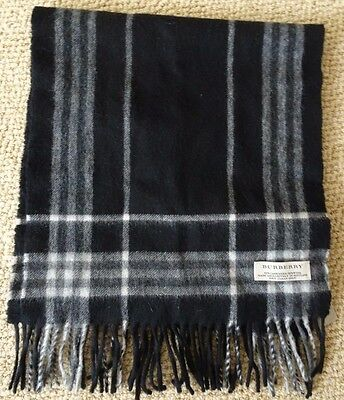 $189 • Buy Burberry Scarf Wool/cashmere
