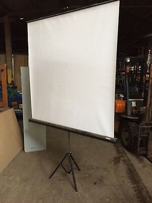 Sahara Projector Screen (rollaway) (mg1165) • 65£