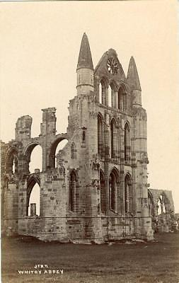 Real Photographic Postcard Of Whitby Abbey, North Yorkshire By Jt Ross • 6£