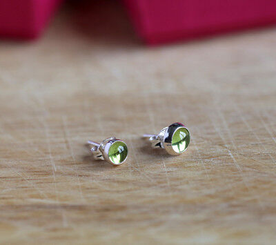 925 Sterling Silver Stud Earrings With Natural Peridot Gemstones • 9.99£