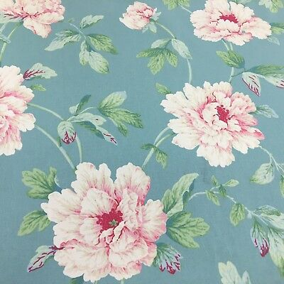 534. BIG FLOWERS ON DUCK EGG BLUE 100% Cotton Fabric • 13.50£