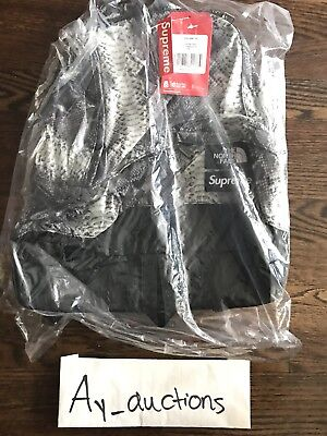 $ CDN264.36 • Buy Supreme The North Face Snakeskin Lightweight Day Pack Black Grey Authentic SS18