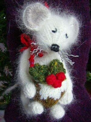 £3.99 • Buy  Have A Very Mice Christmas  -Tree Decorations/Trims - Easy Toy Knitting Pattern