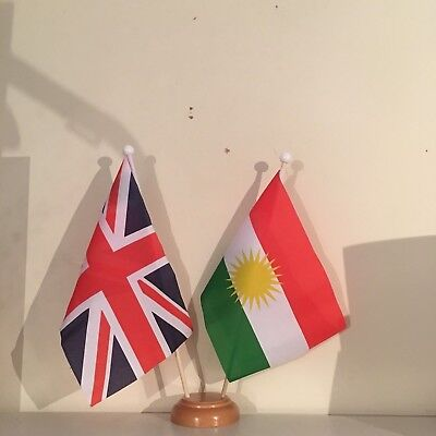 UNION JACK AND KURDISTAN TWIN TABLE FLAG SET With WOODEN BASE 9 X6  FLAGS • 7.99£