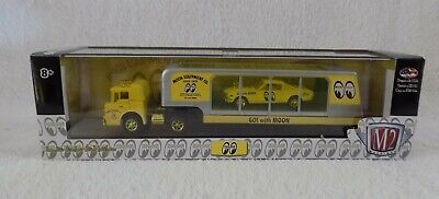 $45.99 • Buy M2 Machines Moon Eyes Auto Haulers Ford C950 & 1966 Ford Mustang 2+2 Gold Chase