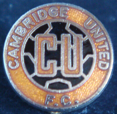 £8 • Buy CAMBRIDGE UNITED Vintage Club Crest Type Badge Brooch Pin In Gilt 17mm Dia