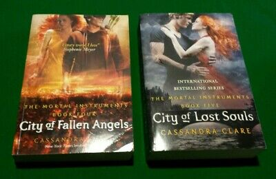 The Mortal Instruments Books 4&5: By Cassandra Clare • 8.99£