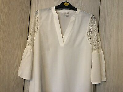 Apricot Cream Lace Trim Collar Top - Size 14 - Immaculate Condition • 5£
