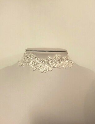 White Floral Design Lace Fabric Choker Necklace | Wedding | Bridesmaid | Classy • 2£