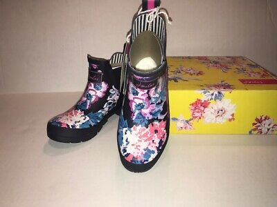 Joules Womens Wellibob Navy Floral Rain Boots Size 6  New In Box • 39$