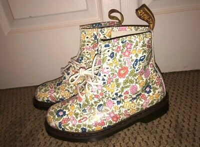 Dr Martens Liberty Flower Boots Size 10 NEW • 110$