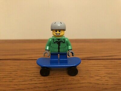 Lego City Street Skateboarder Boy • 4.25£
