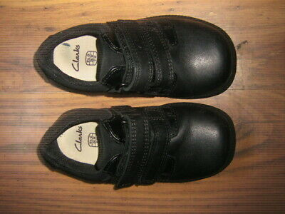 Clarks  Deaton Inf Black Leather Bar Across Round Toe  Shoes Size 8.5 G • 8£