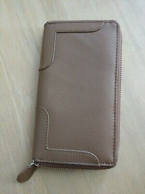 Jane Shilton Wallet Purse.. Leather Tan Colour Very Good Condition With Zip • 5.50£