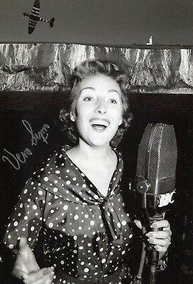 £35 • Buy WW2 Forces Sweetheart DAME VERA LYNN Exclusive Signed Photo! UACC DEALER SIGNING
