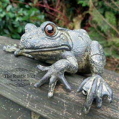 Fence Wall Climbing Hanging Garden Frog Ornament, Hand Painted Resin Green Grey • 13.95£