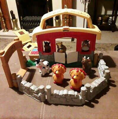 Fisher Price LITTLE PEOPLE STABLE With Sounds + Lots Of Farm Animals  • 7.61£