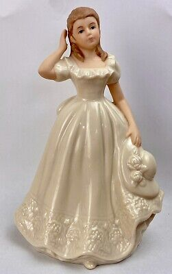 The Regal Collection English Rose Figurine (PO75)  • 9.34£