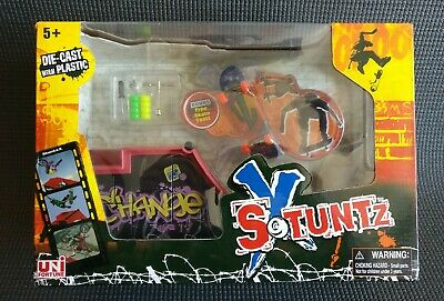Stuntz X - Build Your Own Skate Park - FingerBoard + Tool + Ramp C - NEW • 19.99£