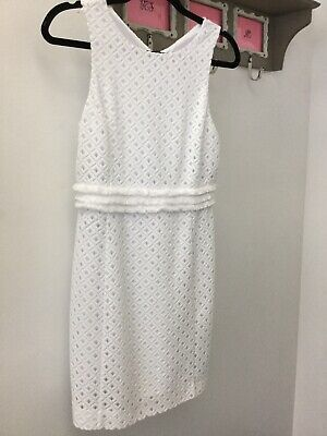 $20 • Buy Lilly Pulitzer Arden Shift Dress. White. Size Small.