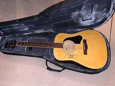 $ CDN320.07 • Buy Signed Silvertone Pro Series Acoustic Guitar With Signed Carrying Case