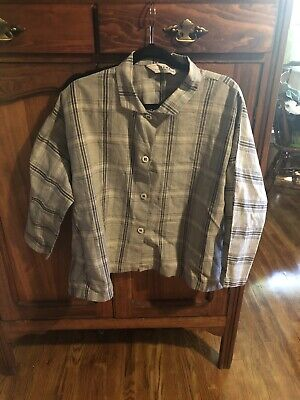 $15 • Buy Itemz Black And Grey Blouse.