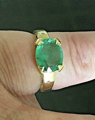 Solid 18ct Gold Cushion Cut Emerald Solitaire Ring Aprox 2.0 Carat M1/2 Stunning • 510£