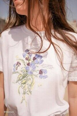 AU12 • Buy Urban Outfitters Graphic Tshirt