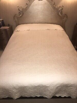 Yves Delorme Paris Super King Ivory Bedspread • 150£