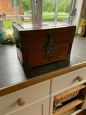 Wooden Jewellery Chest • 10.50£